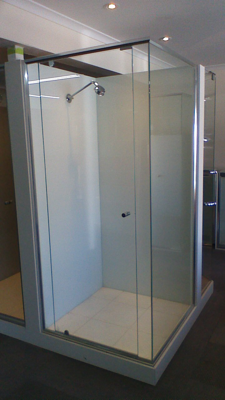Shower Screens9